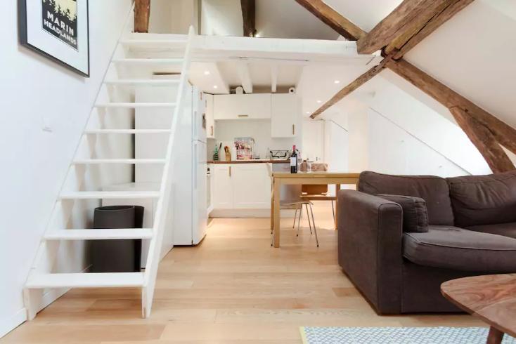 Romantic AirBNBs in Paris - Airbnb in Saint Germain