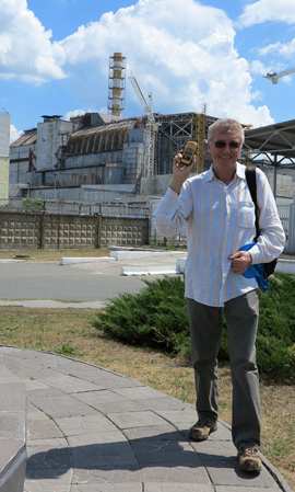 IMG_7449 - geiger counter & Reactor 4, Chernobyl - 270