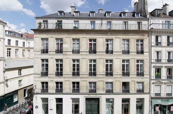 Romantic AirBNBs in Paris - Artist Loft in Le Marais